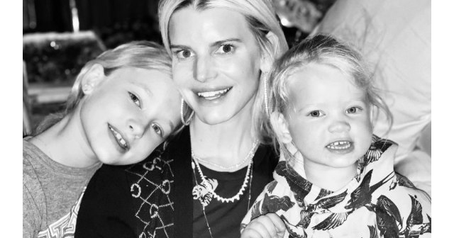 Jessica Simpson Wants to Be a Role Model for Her Daughters About Body Image.jpg