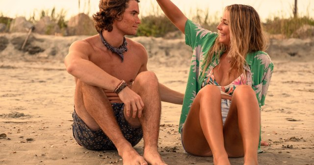 'Outer Banks' Cast's Dating Histories: Madelyn Cline, Chase Stokes and More.jpg
