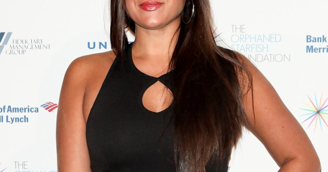 Sammi 'Sweetheart' Giancola in 'Good Mood' as She Ditched Engagement Ring at Store Opening: Details.jpg