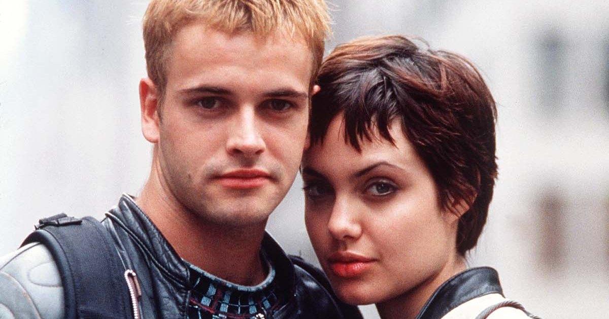 Relive Angelina Jolie's Relationship With Ex-Husband Jonny Lee Miller: A Complete Timeline