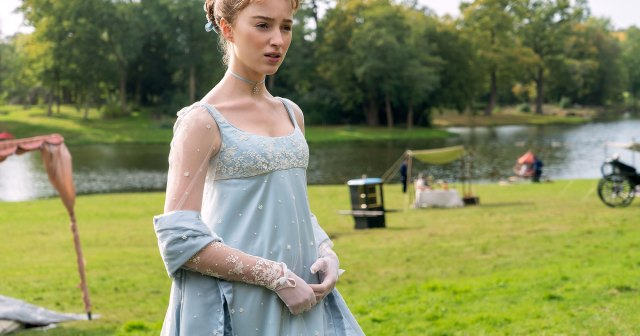 Bridgerton's Phoebe Dynevor Talks Emotional Season 2 Return: 'I Cried 7 Times'.jpg
