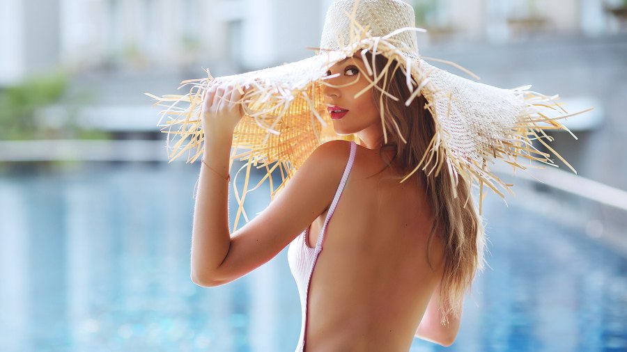 low-back-backless-swimsuits