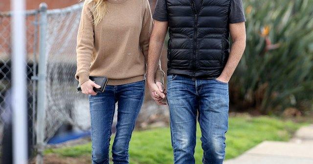 Anna Faris Reveals She Secretly Married Michael Barrett: 'We Eloped'.jpg