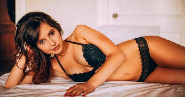 Bachelorette's Katie Thurston Claps Back at Trolls Over Lingerie Photo: 'I'm Not Ashamed of My Body'.jpg