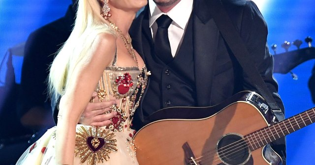 Blake Shelton Wants to Release 'Surprise' Wedding Song Written for Gwen Stefani Because He's 'So Proud' to Be Her Husband.jpg