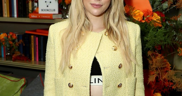 Emma Roberts Reacts to Going Viral With Glam Instagram Video: 'Thank You Gays'.jpg