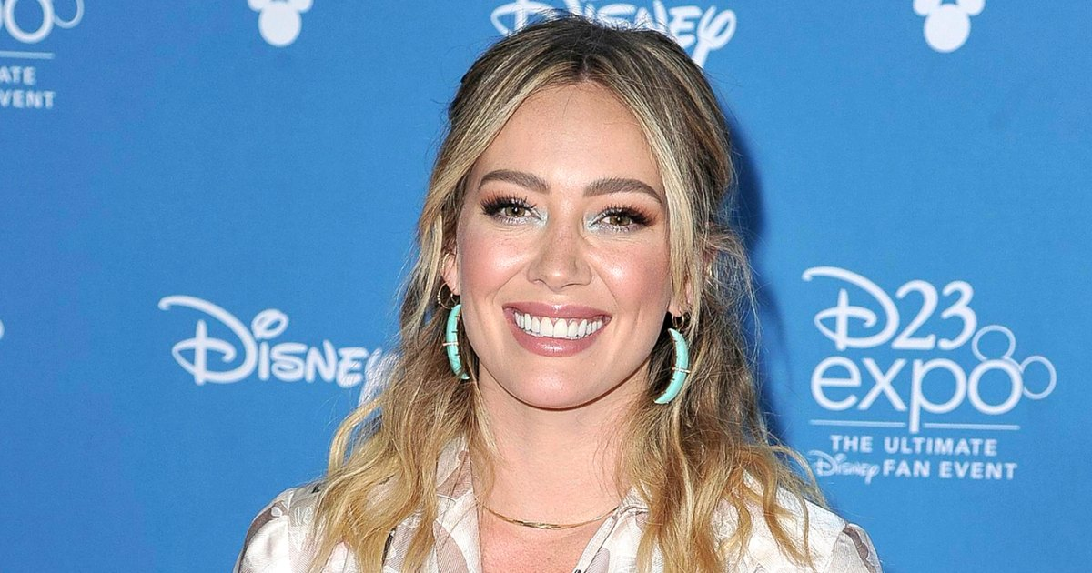Whoops! Hilary Duff Turns Her Blonde Hair Green 'on Accident' After Conditioner Mix-Up