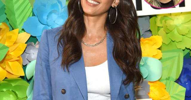 Jessica Alba Is 'Struggling' With Treating Daughter Honor Like a Teen, But Mother-Daughter Therapy Helps.jpg