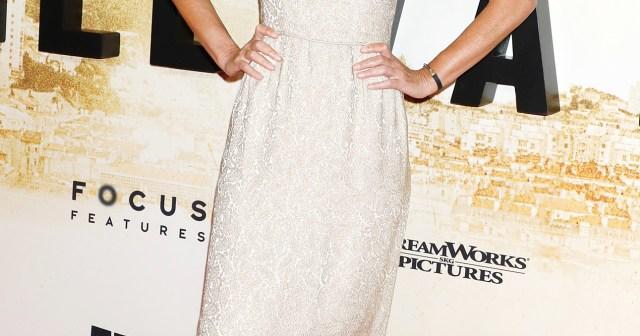 Single Lady! Paulina Porizkova Makes Her 1st Red Carpet Appearance Since Aaron Sorkin Split.jpg