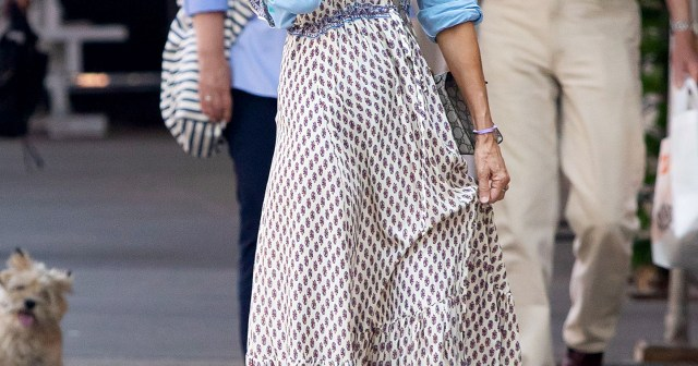 'SATC' Fans Aren't Too Happy With Sarah Jessica Parker Wearing Forever 21 on 'And Just Like That'.jpg