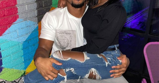 Simone Biles' Boyfriend Jonathan Owens Shows His Support After Her Tokyo Olympics Exit.jpg