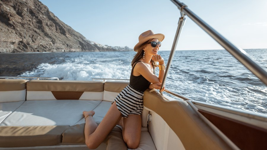 boat-fashion