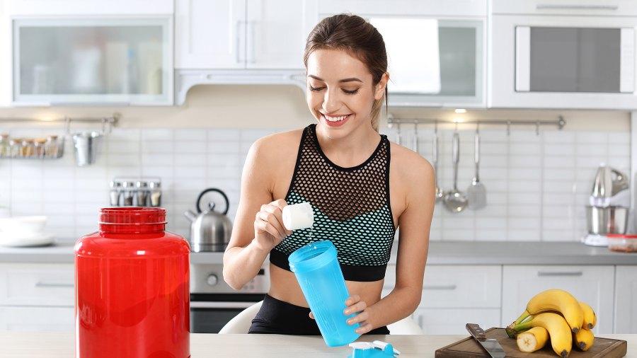 woman-protein-shake