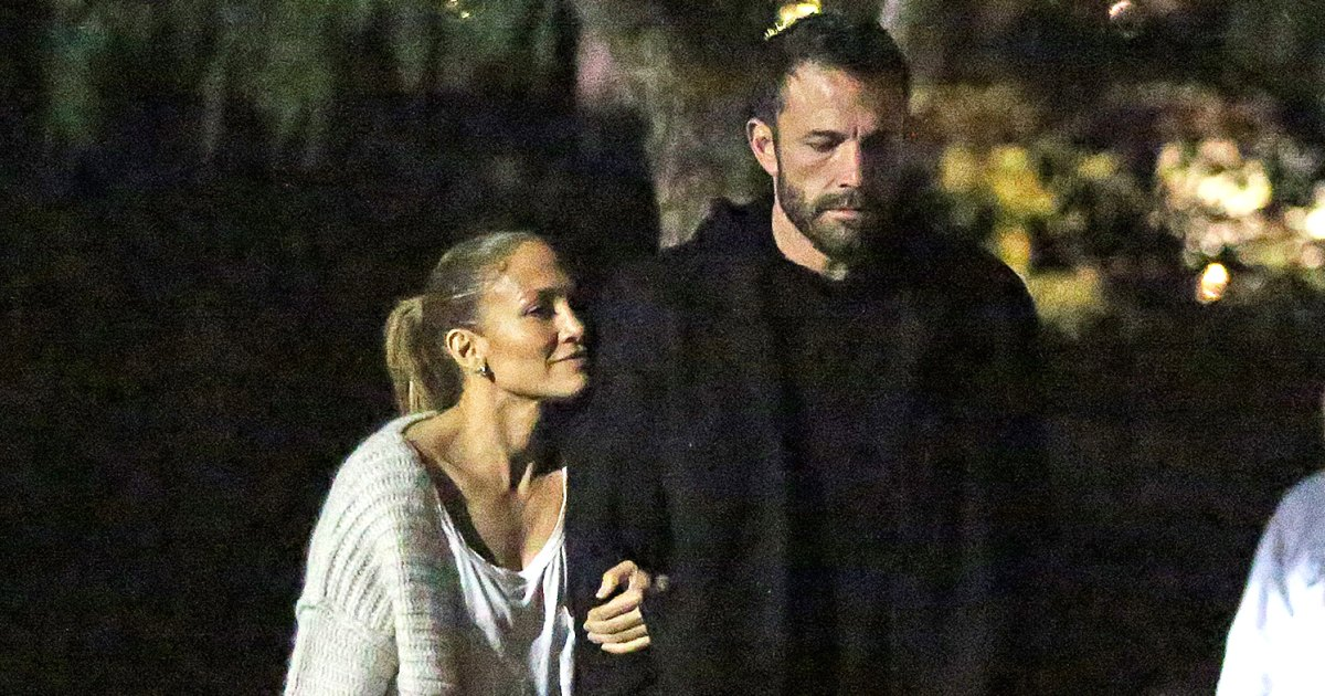 Ben-Affleck-and-Jennifer-Lopez-Take-Kids-to-Movie-Night-After-Singer-Praises-The-Last-Duel-03.jpg?crop=0px,100px,1495px,785px&resize=1200,630&ssl=1&quality=86&strip=all