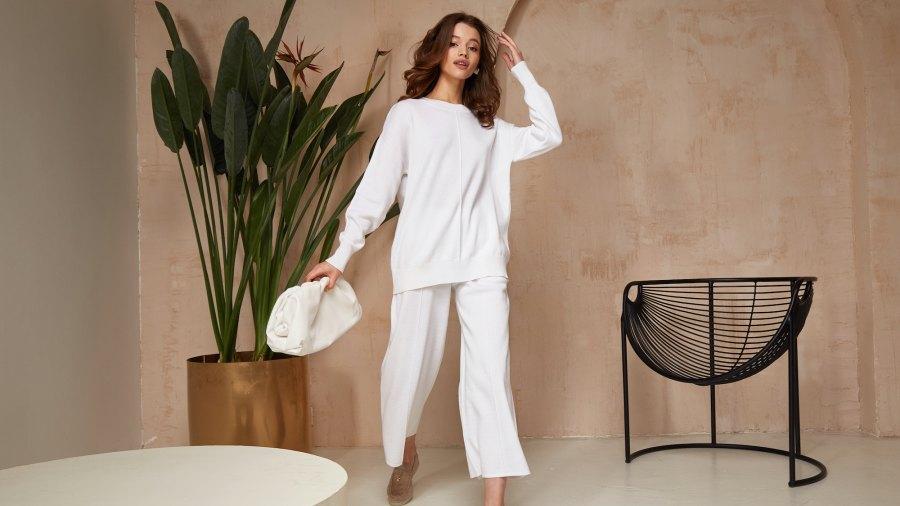 Loungewear-Stock-Photo