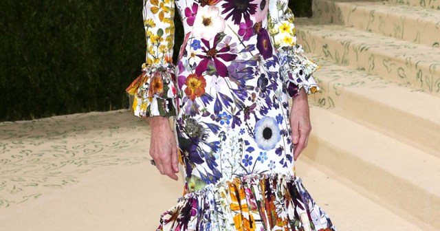 Anna Wintour's 2021 Met Gala Gown Is Over-the-Top in the Best Way Possible: Photos.jpg