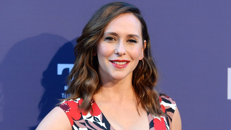 Jennifer Love Hewitt Gives 1st Glimpse of 1-Month-Old Son Aidan: Photo