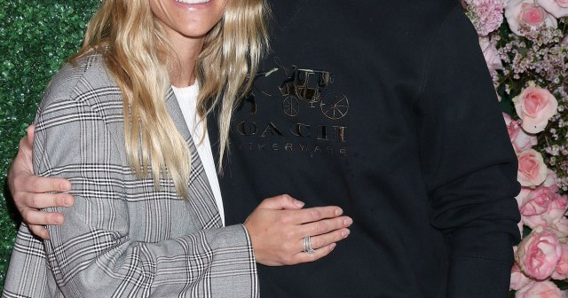 Pregnant Lauren Scruggs and Jason Kennedy Reveal Sex of 1st Child: Video.jpg
