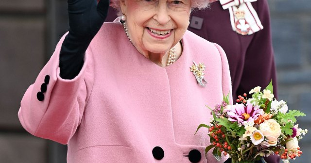 Queen Elizabeth II Politely Declines the Award for 'Oldie of the Year': 'You Are as Old as You Feel'.jpg