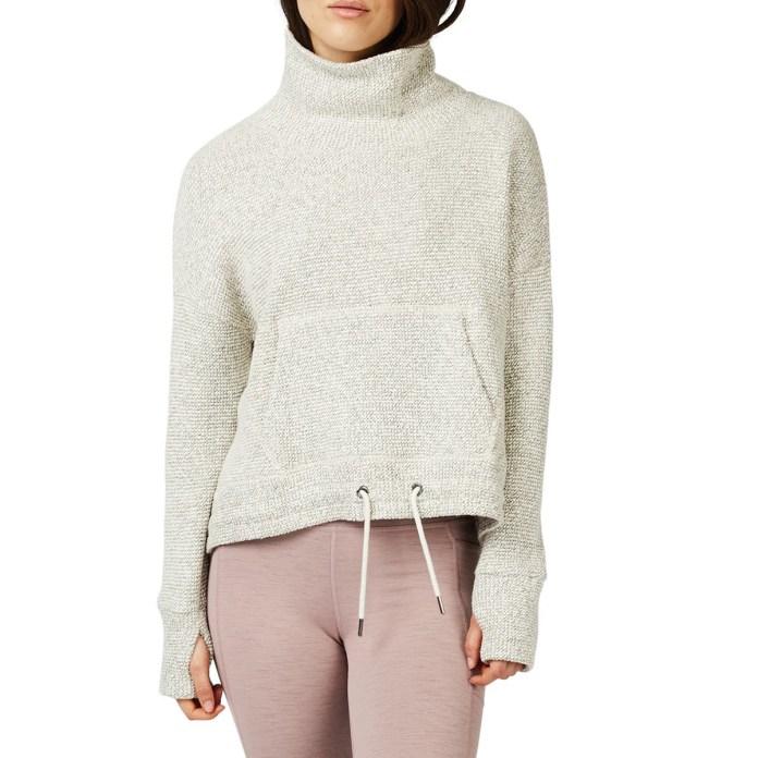 nordstrom-fall-fashion-funnel-neck-sweatshirt
