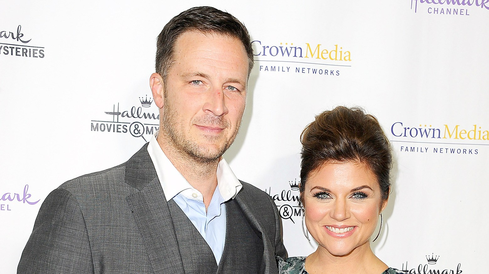 Tiffani Thiessen and Brady Smith