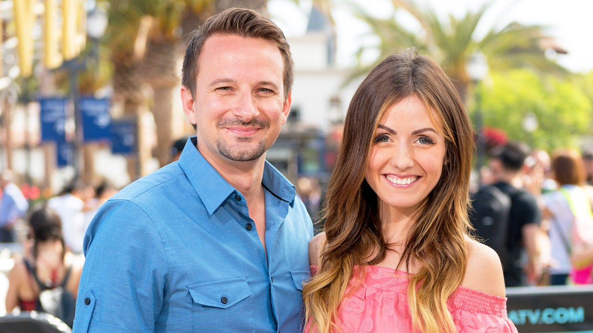 Saving Evan Mother And Son Navigate >> Evan Bass Reveals Wife Carly Waddell S Pregnancy Cravings