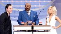 Ariana Grande becomes Jennifer Lawrence in 'SNL' skit