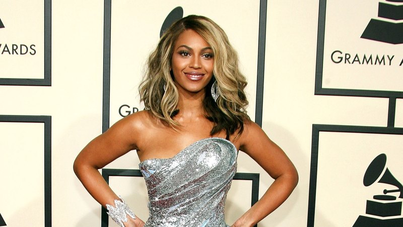 See All of Beyonce's Grammys Looks Through the Years 23