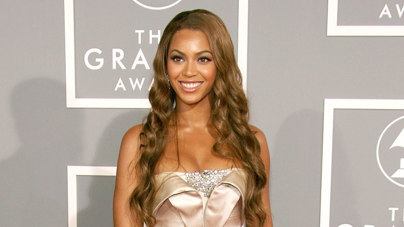 See All of Beyonce's Grammys Looks Through the Years 22