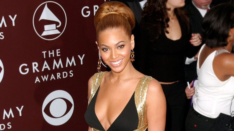 See All of Beyonce's Grammys Looks Through the Years 20
