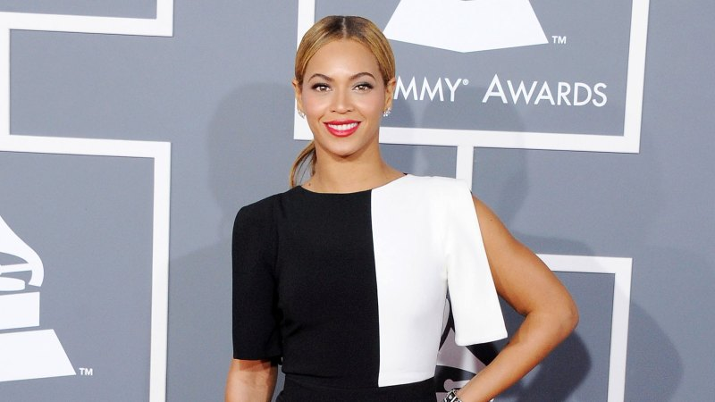 See All of Beyonce's Grammys Looks Through the Years 26