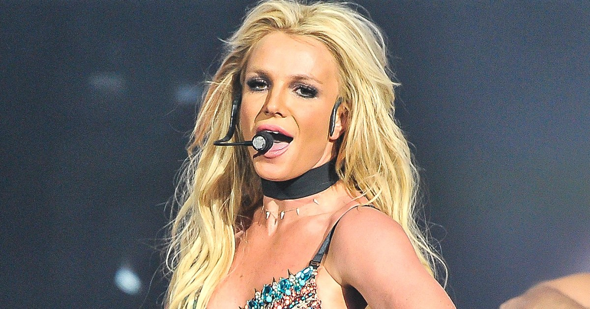 Britney Spears - I'm A Slave 4 U - Live From Las Vegas ...