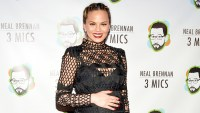 """Chrissy Teigen attends the """"Neal Brennan 3 Mics"""" Opening Night at the Lynn Redgrave Theatre on March 3, 2016."""