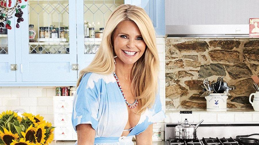 christie-brinkley-kitchen-zoom-0b608f3d-dac7-468d-a538-df55b024624d