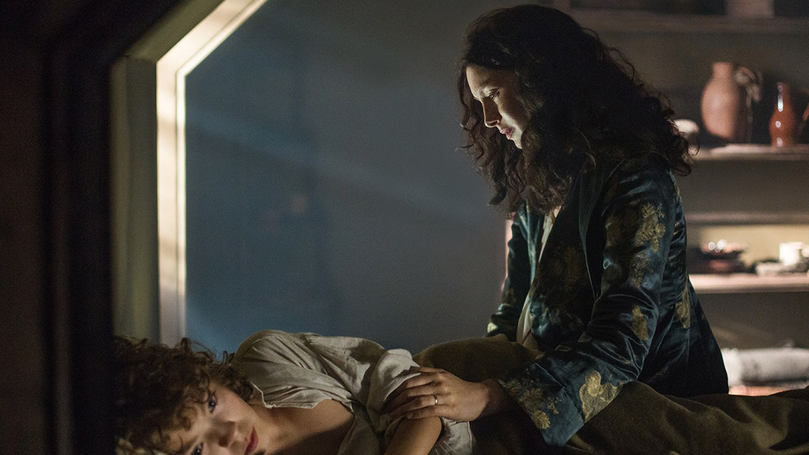 Outlander Recap: Claire Has Miscarriage, Sex With King of France