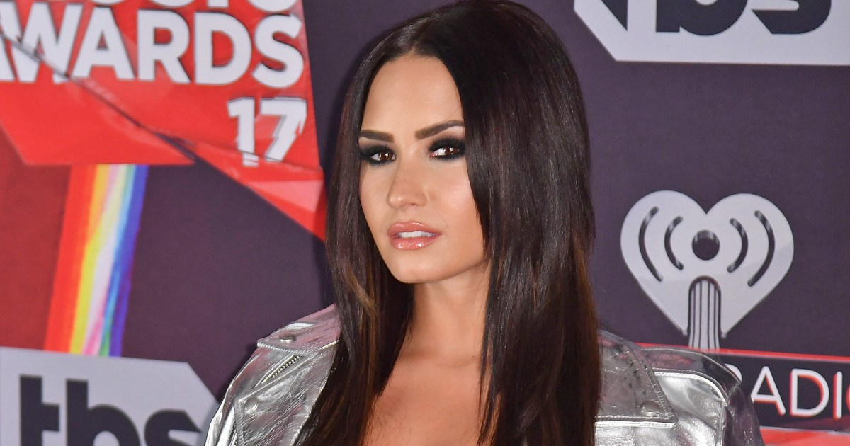 Demi Lovato Twerks at the Gym to Rihanna's 'Pon de Replay'