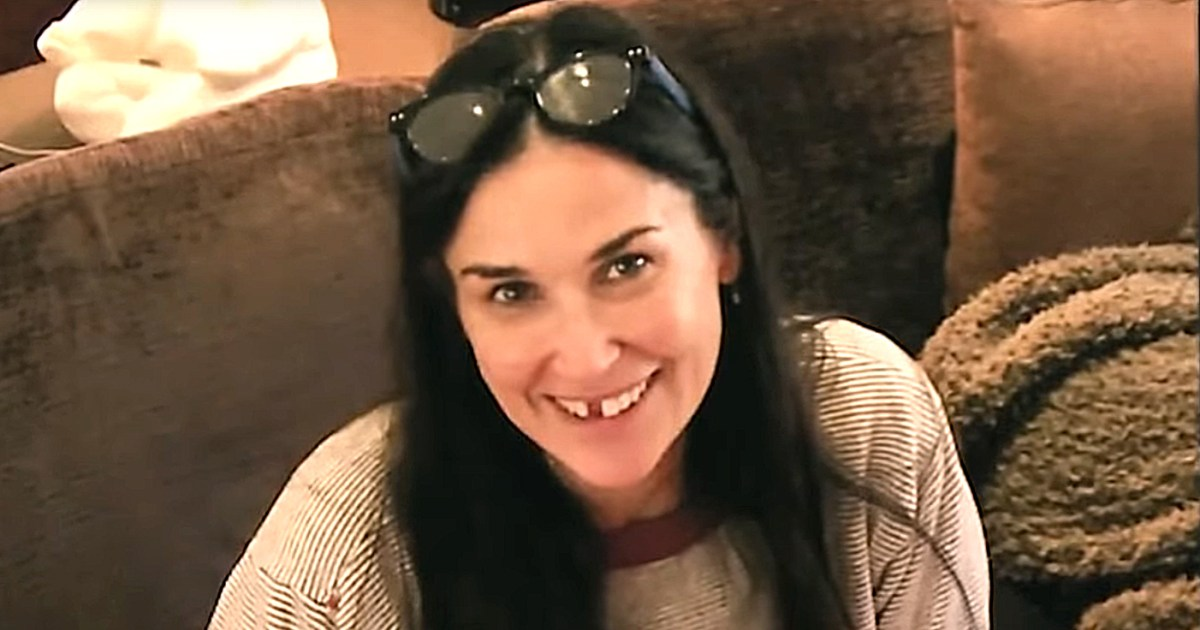 Demi Moore Shares Toothless Selfie