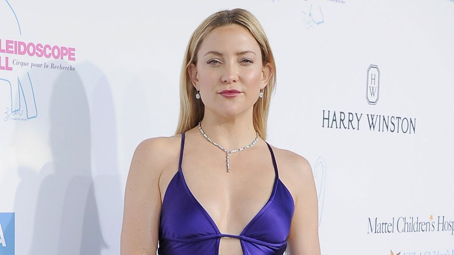 Kate Hudson is vacationing in Hawaii with Goldie Hawn and Amy Schumer