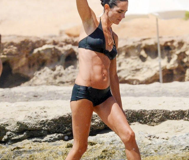 Jennifer Connelly Works Her Incredible Abs In Bikini Photos
