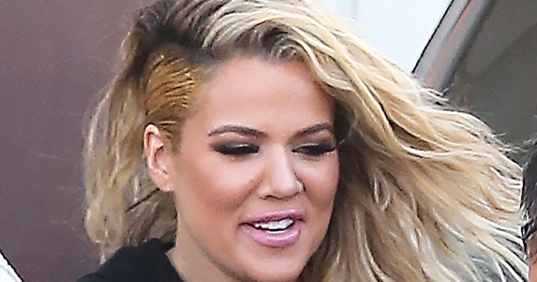 khloe new haircut khloe rocks a faux undercut hairstyle 1044