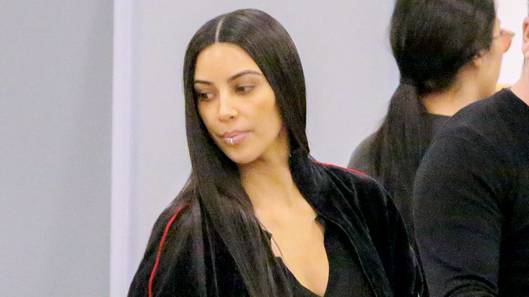 Kim Kardashian catches a flight out of LAX with Scott Disick headed to Dubai January 11, 2017. Juliano/X17online.com