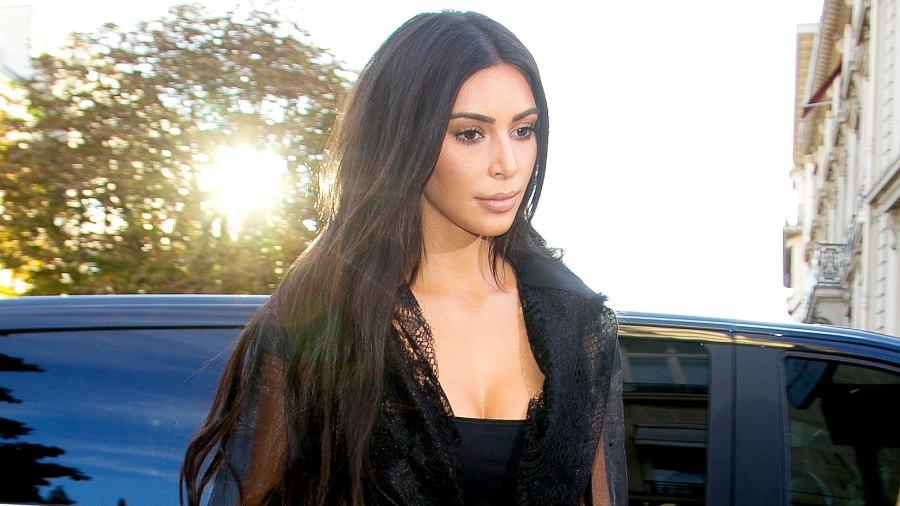 Kim Kardashian West arrives at 'L'Avenue' restaurant on September 28, 2016 in Paris, France.