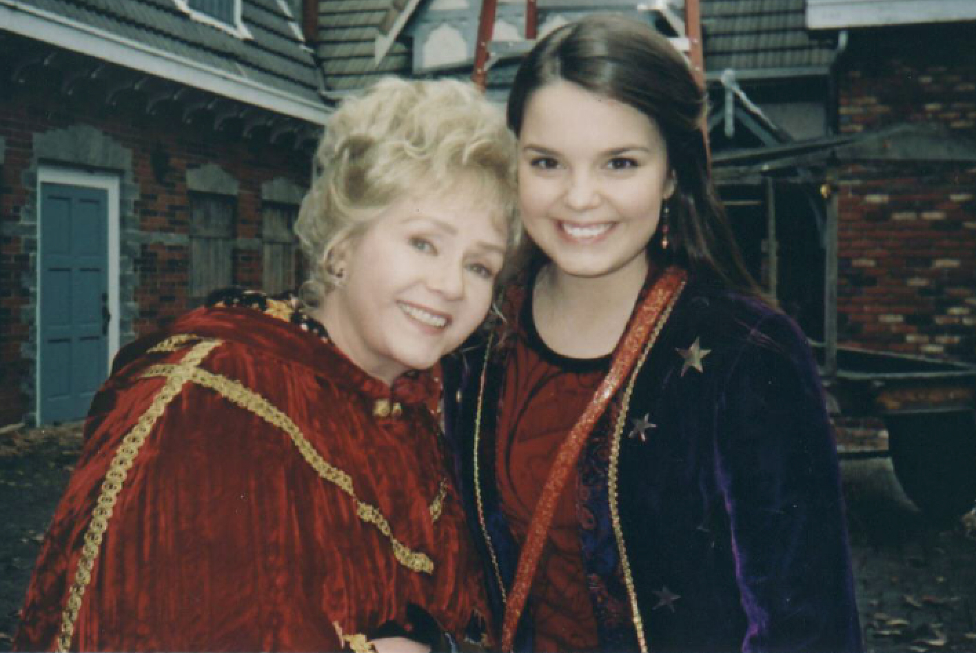 Halloweentown\u0027 Cast Will Reunite to Honor Debbie Reynolds