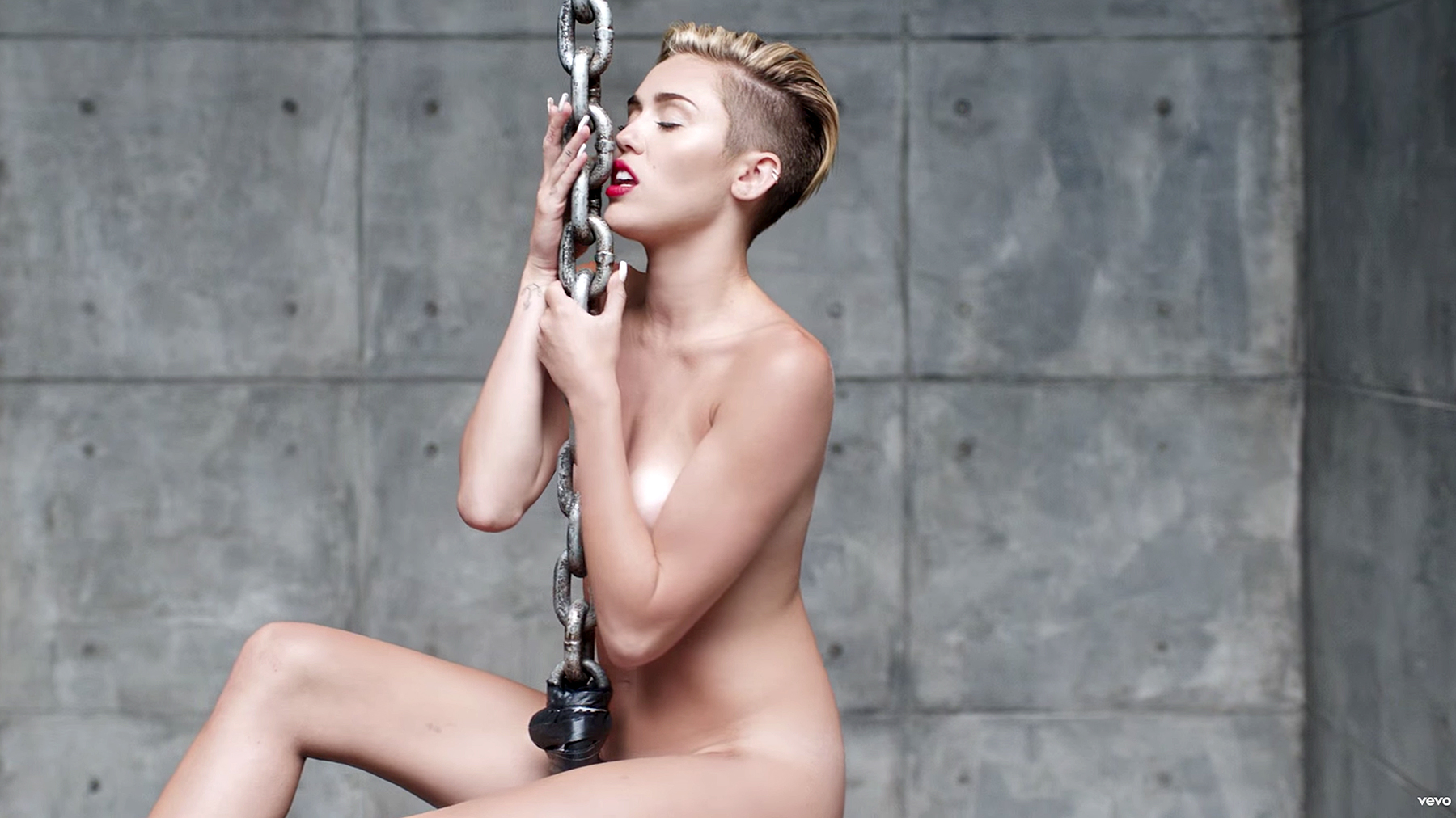 cyrus bad miley nude
