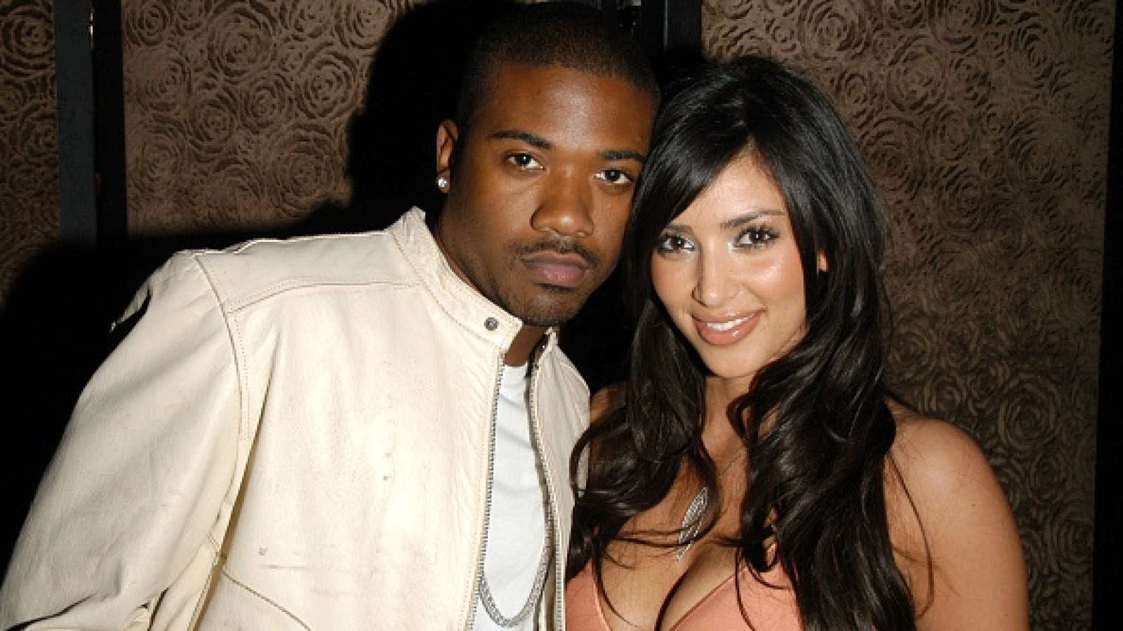 Ass kim kardashian dating ray j girl sex picture