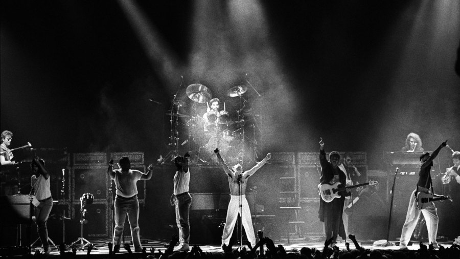 Prince performs with The Revolution in Rotterdam in 1986.