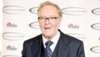 Robert Hardy arrives for the 'Oldie Of The Year Awards' at Simpsons in the Strand on February 2, 2016 in London, England.