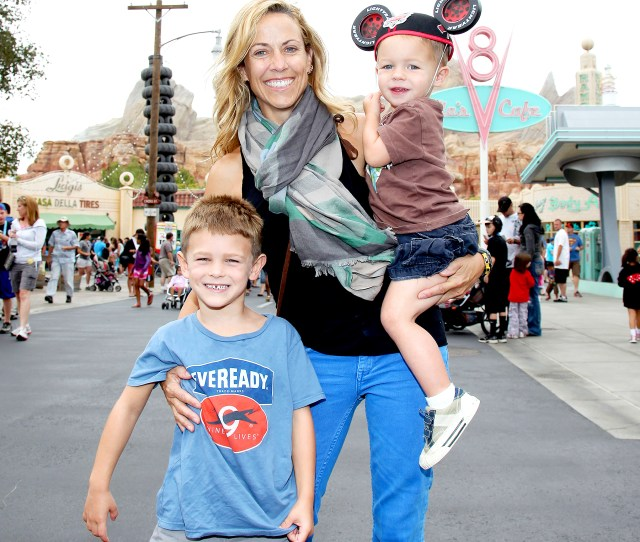 Sheryl Crow Opens Up About Parenting Theres A Lot Of Bribery