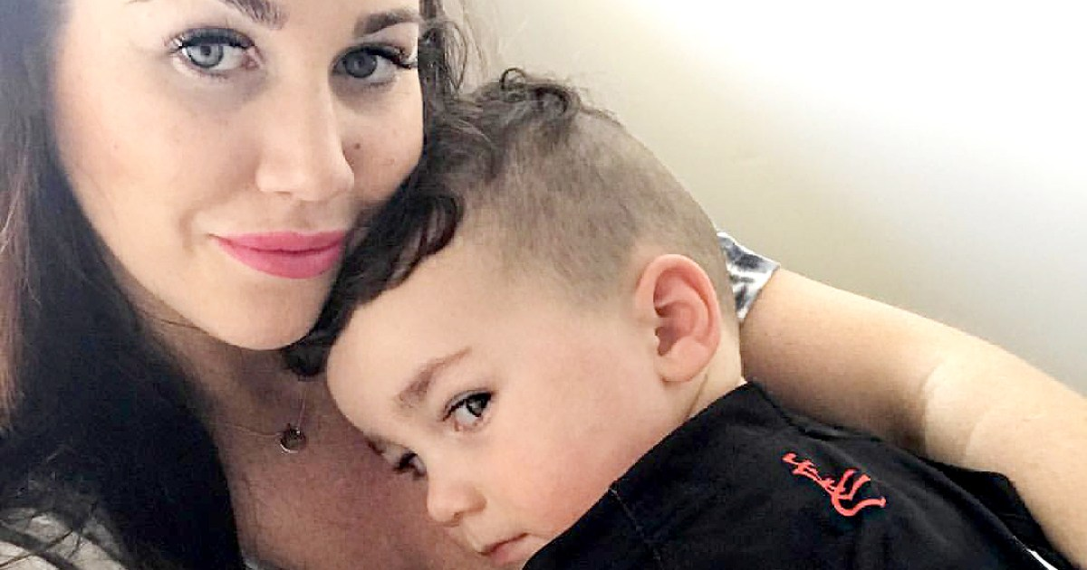 This Moms Cute Selfie With Her Son Has a Gross Twist!
