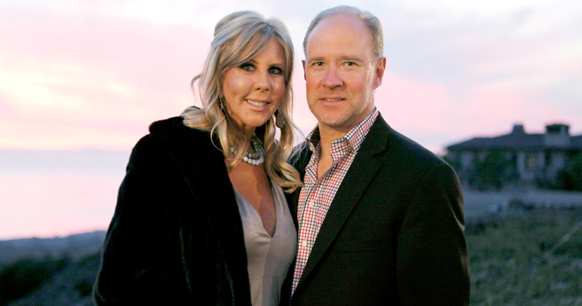Vicki Gunvalson was struggling with her decision to break up with boyfriend Brooks Ayers at the urging of her daughter and son-in-law, so she..